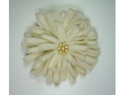 Fleur broche écrue