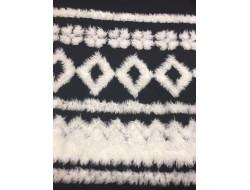 Tissu laine noire décors ethnique fourrure blanche