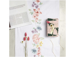Kit de broderie - Chemin de table impression fleurs