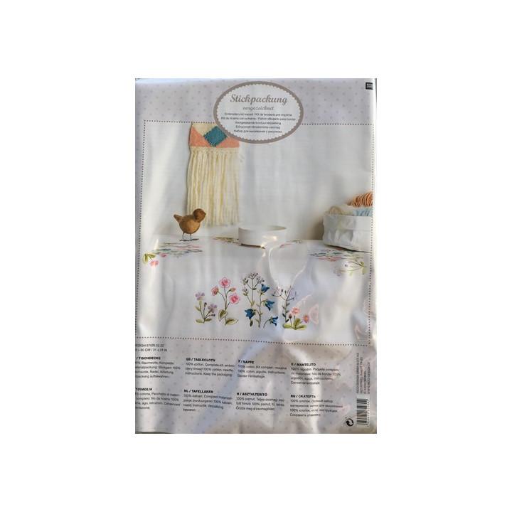 Kit de broderie - Nappe impression couronne fleurs