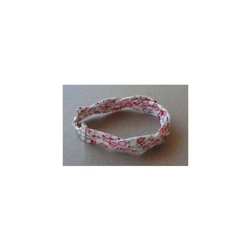 Attache ruban fermoirs bijoux bracelets mercerie floriane - Bracelet perle et ruban ...