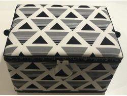Boîte à couture motif géométrique