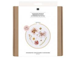 Kit broderie fleurs séchées Rico Design