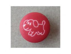Bouton rouge petit chien