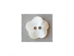 Bouton nacre fleur blanc