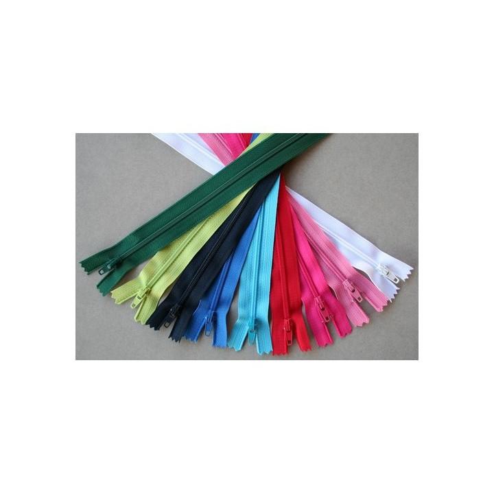 Fermeture à glissière nylon pour jupes, robes, pantalons...