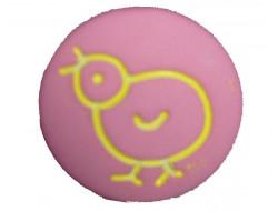 Bouton rose petit poussin jaune