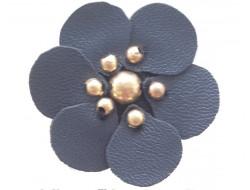 Fleur simili marine coeur en perle