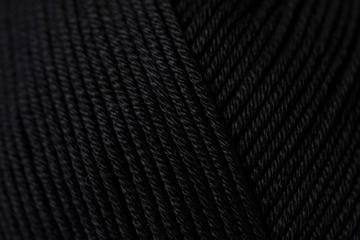 090-Noir